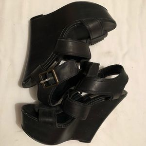 Steve Madden wedge 6